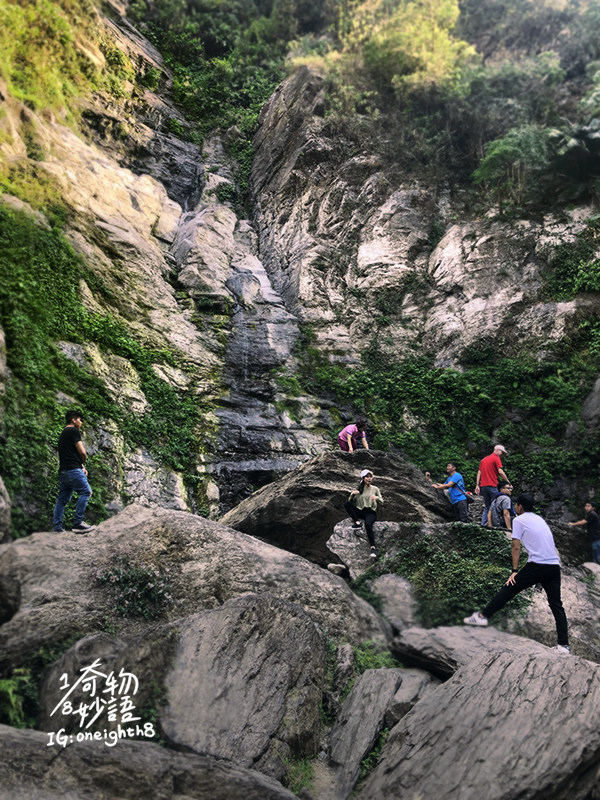 Liangshan-Waterfall-05.jpg