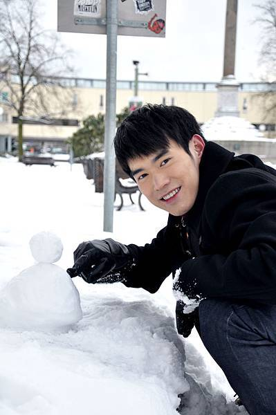 書豪與他的雪人.JPG