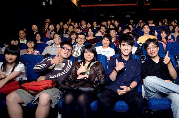 書豪、導演與滿座的觀眾