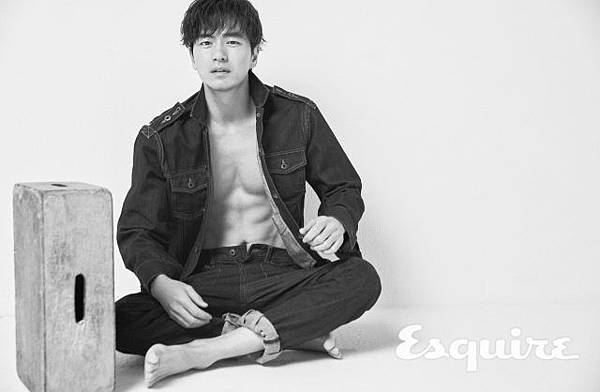 esquire-2018-05-interview-leejinwook-003-640x418
