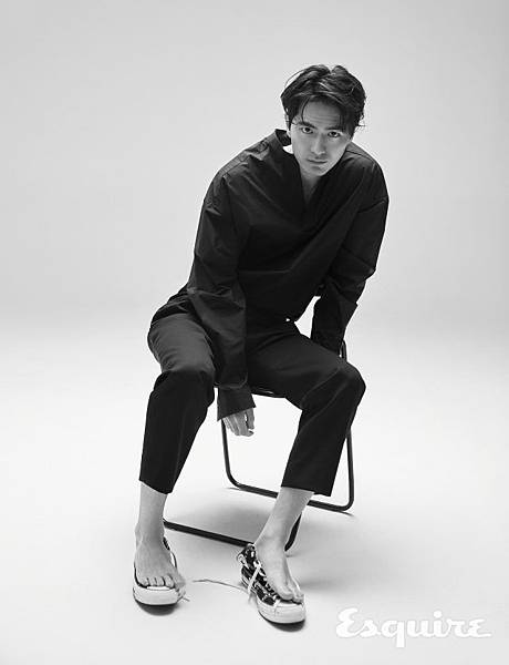 esquire-2018-05-interview-leejinwook-005-640x836