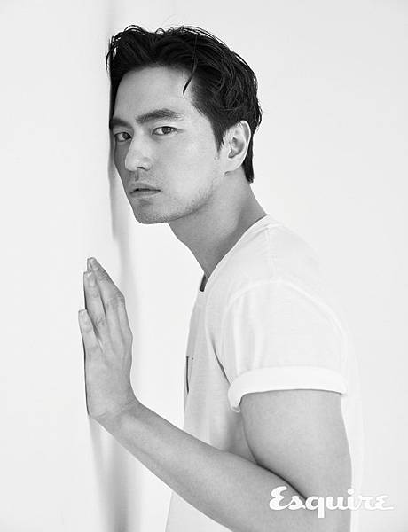 esquire-2018-05-interview-leejinwook-004-640x836