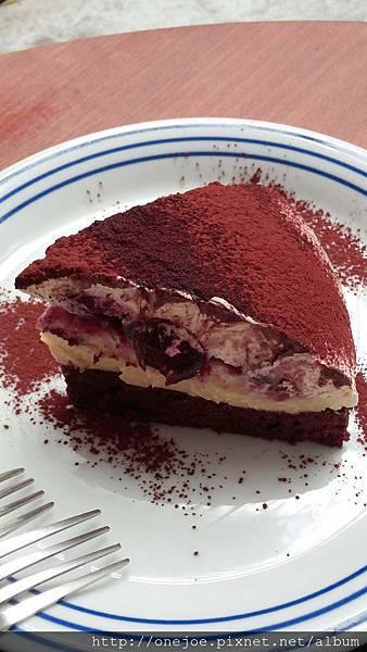 德式黑櫻桃卡仕達蛋糕