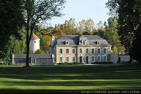 Manoir facade parc Jolyot
