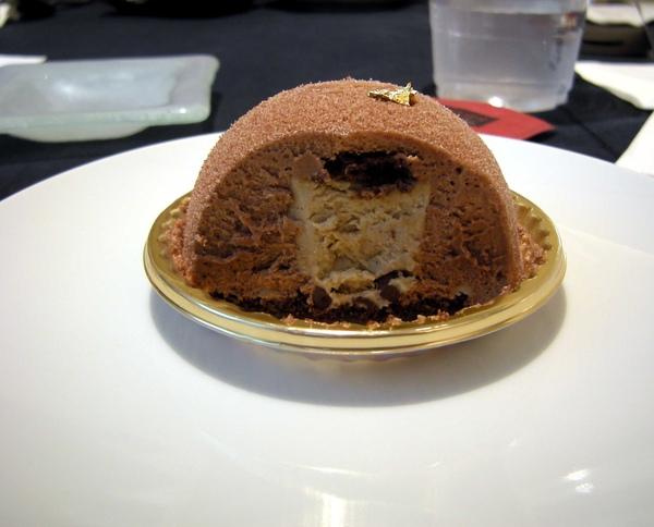 伯爵茶慕絲蛋糕剖面圖