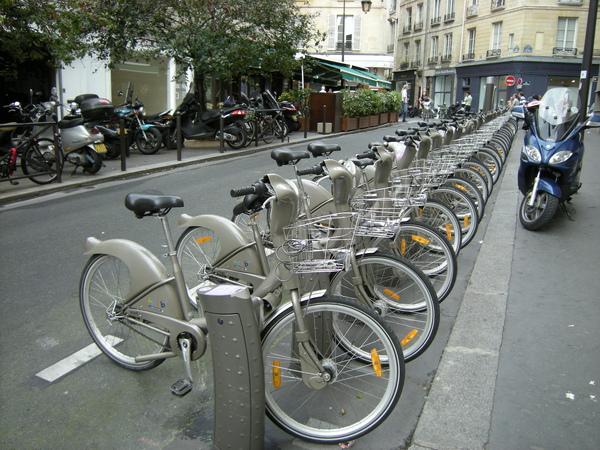 壯觀的Velib自行車排排站