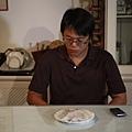 好入戲的孟傑副導~不想吃水餃....jpg