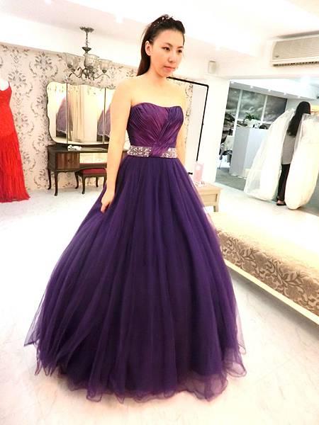 紫色篷裙a