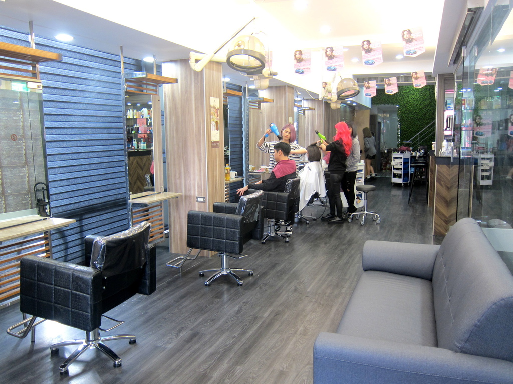 AT37hair salon-7.JPG