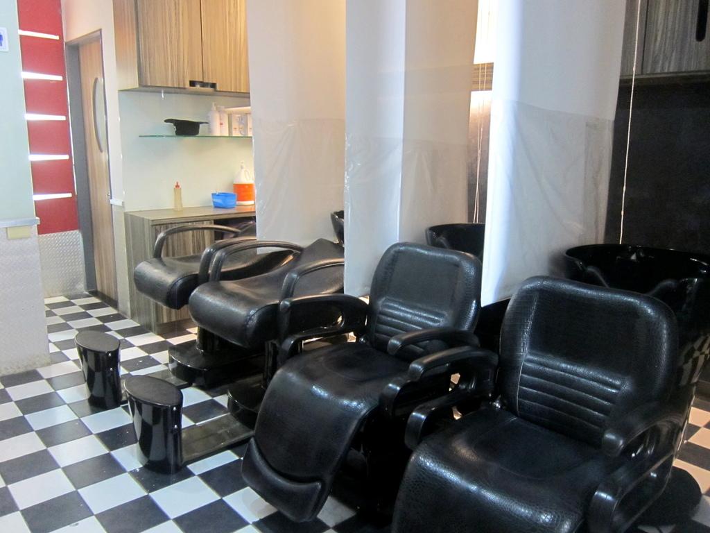 AT37hair salon-8.JPG