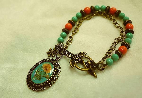 《奇幻花園 Fantasy Garden》系列- 復古鑲花土耳其珍珠手鍊