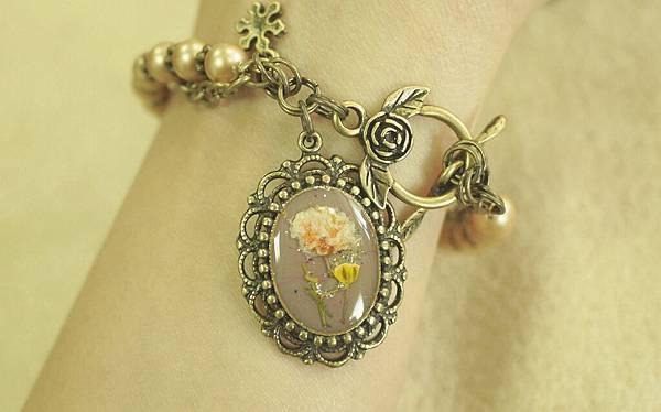 《奇幻花園 Fantasy Garden》系列- 復古鑲花絹澤手鍊