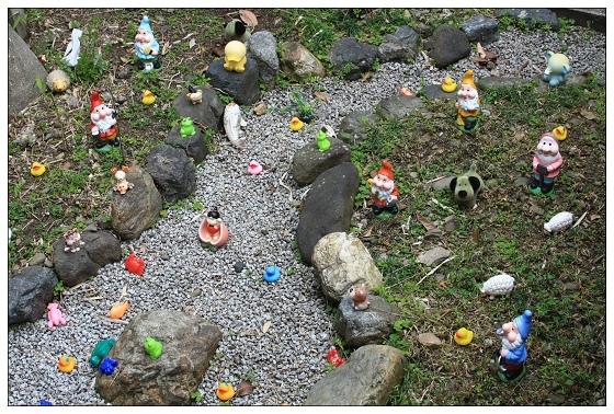 01阪急嵐山驛的小矮人庭院.JPG