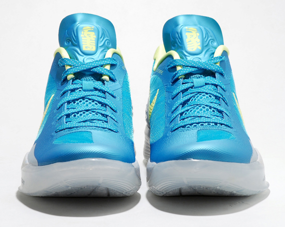 son-of-the-dragon-nike-3