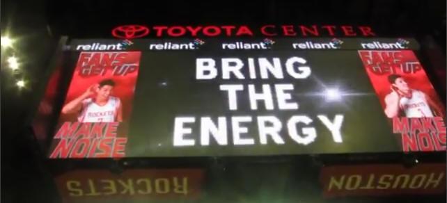 林書豪火箭大螢幕 讓大家high起來bring the energy