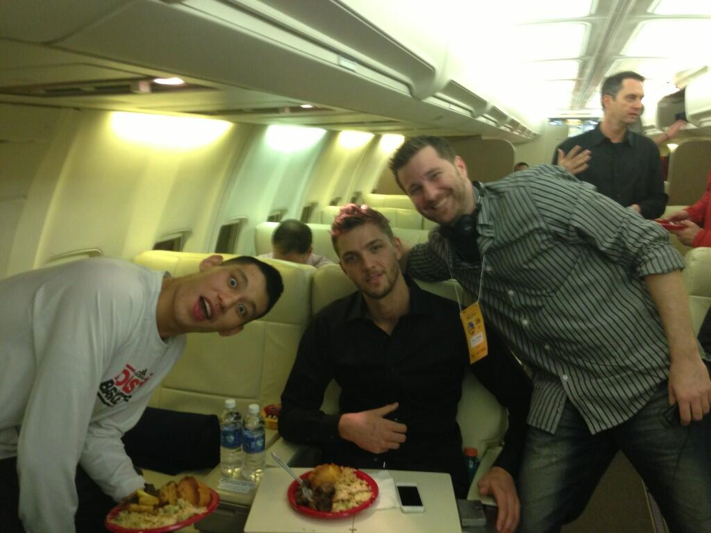 ChandlerParsons Wheels up to Phoenix! This row is for the best hair only.