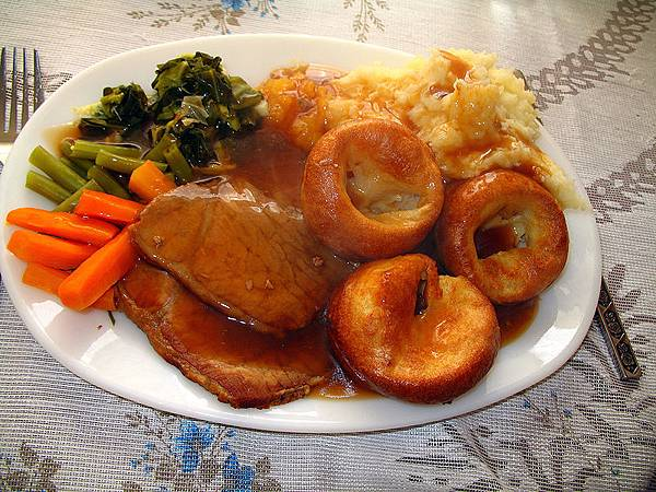 800px-Traditional.Sunday.Roast-01