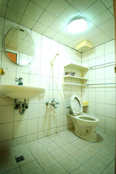 小琉球民宿-馨堡-四人房衛浴
