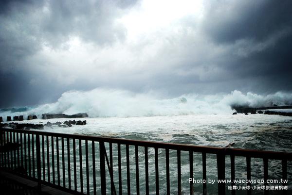 小琉球-颱風引起的大浪