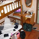 房間小到懶得拍~