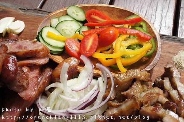 【食记】嘉义 来吉部落厨房(HANA厨房)~✽南非女孩恋上邹族男孩的深山美味料理❤
