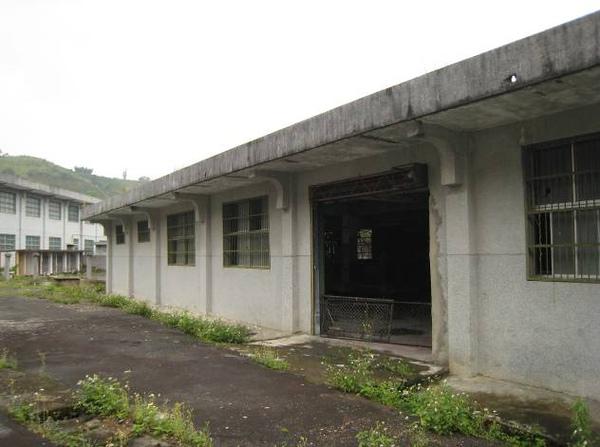 監獄舍房區後側之漆磚作業區.jpg