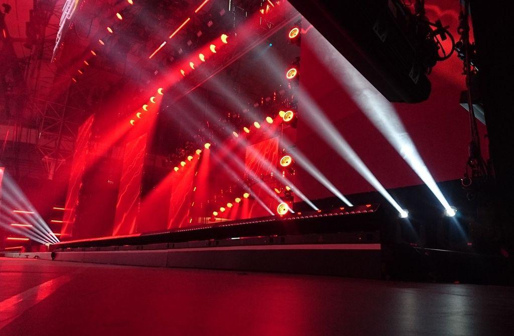 stage-2223130_1280.jpg