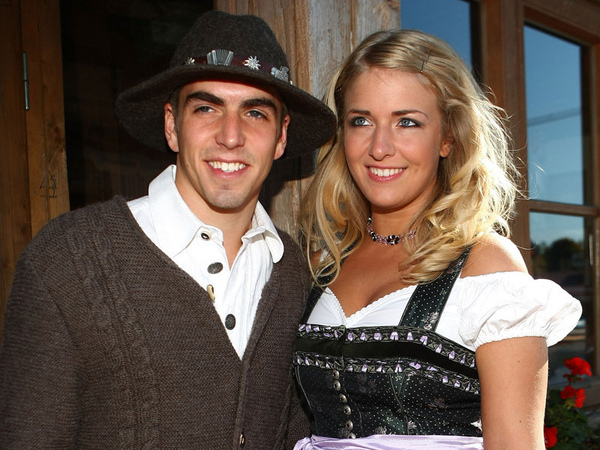 Philipp-Lahm-girlfriend-Claudia-Oktoberfest_1267106.jpg