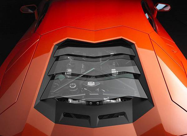 Lamborghini-Aventador-LP700-4 (2).jpg