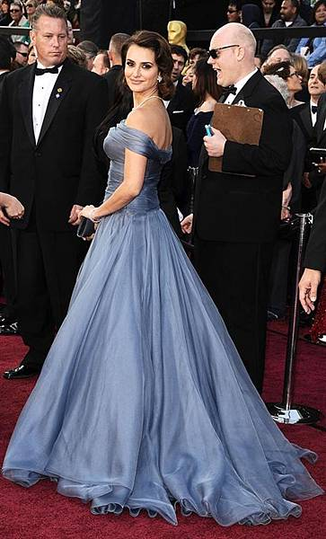 PENELOPE-red-carpet-oscar-academy-awards-2012.jpg