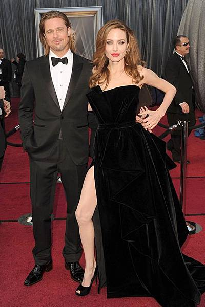 AngelinaJolie_brad_pitt-red-carpet-oscar-academy-awards-20121.jpg