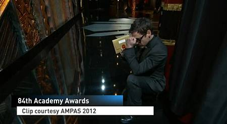 robert-downey-jr-tebowing.jpg