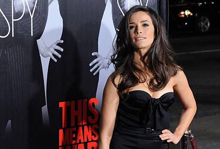 Abigail-Spencer-attends-the-This-Means-War-premiere-in-Los-Angeles_6.jpg