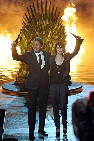 Sean-Bean-Lena-Headey-2011-Scream-Awards-game-of-thrones-26106601-400-600.jpg