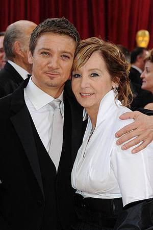 Jeremy+Renner+82nd+Annual+Academy+Awards+Arrivals+LQ53V_pqwiml
