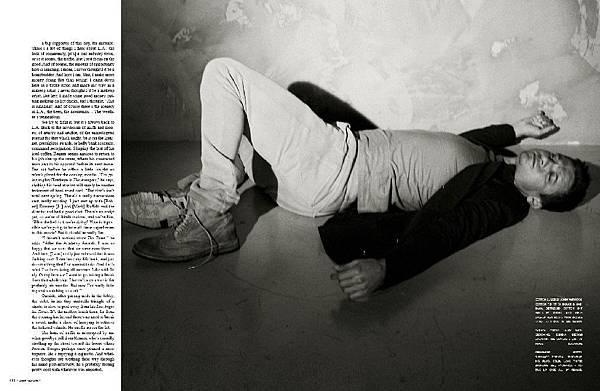 Flaunt-Magazine-2010-jeremy-renner-30780139-1024-667.jpg