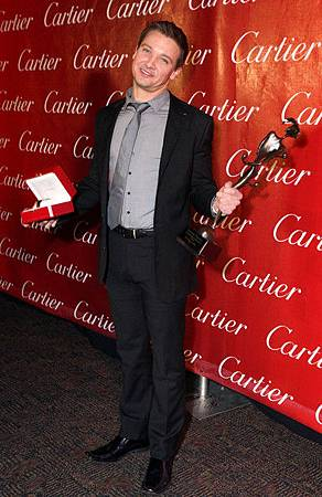 Jeremy-Palm-Springs-International-Film-Festival-Awards-Gala-2010-jeremy-renner-18390294-385-594