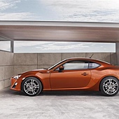 2012-Toyota-GT-86-Coupe-Image-05-800.jpg
