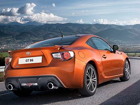 Toyota-GT-86-UK-Prices-Rear-Angle.jpg