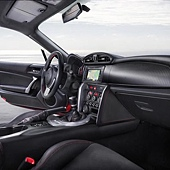 Toyota-GT86-Coupe-2012-i003-800.jpg