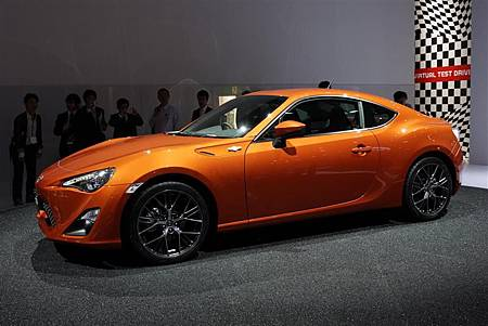 toyota-GT86-Coupe-Supercar-04-800.jpg
