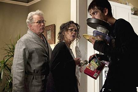 Martin-Sheen-Sally-Field-and-Andrew-Garfield-in-The-Amazing-Spider-Man.jpg