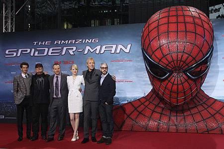 Emma+Stone+Amazing+Spider+Man+Germany+Premiere+iKkbNbYzz_1l.jpg