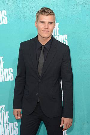 Chris+Zylka+2012+MTV+Movie+Awards+Arrivals+dhja9MTMuksl.jpg
