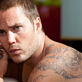 Taylor-Kitsch-in-Savages-2012-Movie-Image.jpg