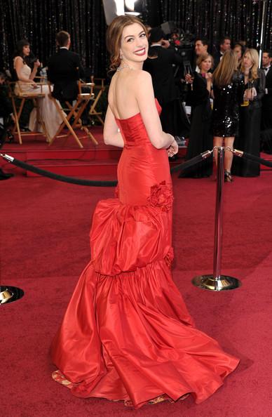 Anne+Hathaway+83rd+Annual+Academy+Awards+Arrivals+YctPkLiDAa3l.jpg