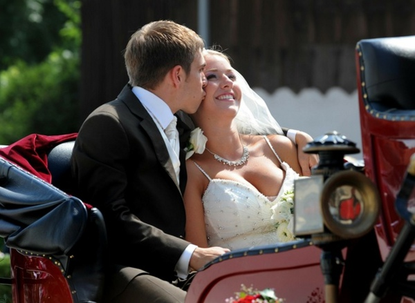 b6fbb66ff167e001a4f05a9d972e16b1-getty-germany-fbl-ger-wedding-lahm.jpg