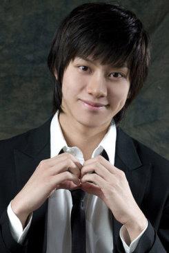 Hee chul (1).jpg