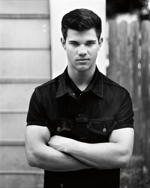 taylor-lautner-interview-magazine.jpg