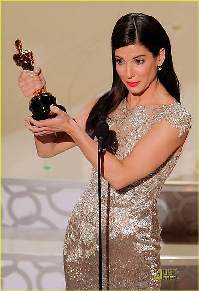 sandra-bullock-2010-oscars-best-actress-01.jpg